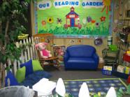 school_reading-garden