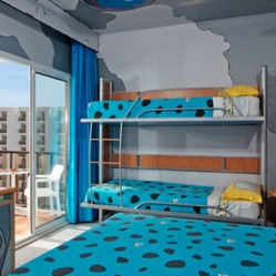 Hotel Sol Milanos Pinguïnos, Menorca: Siéntate como la familia Picapiedra