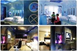 """Ramada Resort o su nombre nuevo, Talay Karon Beach Resort en Phuket, Tailandia, cuenta con varias habitaciones temáticas para niños: """"Bajo el agua"""", """"en el espacio"""" y """"Castillo/Princesa"""""""